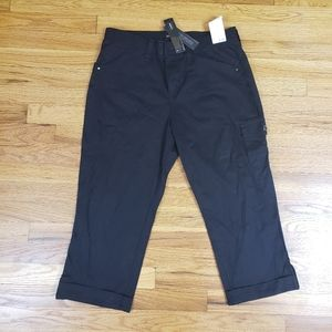 Lee relaxed fit ladies m size 12 capri